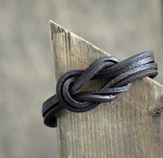 Bracelet lacet de cuir marron pour homme
