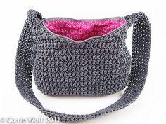 great tutorial on how to add a zipper and line a crochet bag.  ༺✿Teresa Restegui http://www.pinterest.com/teretegui/✿༻