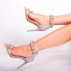 elegantne-damske-sandale-sivej-farby (2)