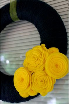 3 Felt Fun flower tutorials · Felting | CraftGossip.com { Want to use some of these to make hair clips for the girls}