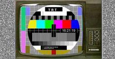 [7]  Türkiye'de ilk olarak 1953 yılında İstanbul Teknik Üniversitesi tarafından bölgesel olarak deneme yayınları başlatıldı. Ancak TRT Kanunu ile ülkemizde radyo ve TV yayın tekelinin TRT Kurumuna verilmesi üzerine İTÜ TV yayınlarına son verildi. 1968 yılındaTRT siyah beyaz olarak deneme yayına başladı. tek kanalken sonradan TRT1, TRT2... gibi  TRT kanalları oluşturuldu. Renkli televizyona geçiş 1980'lerde kısmen gerçekleşti. 1990'lı yılların başında özel televizyon kanalları yayına başladı.