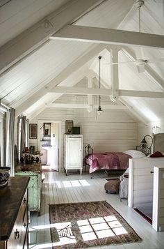 I'm in complete & total love with this open funky historic farm/barnish bedroom in the eves.