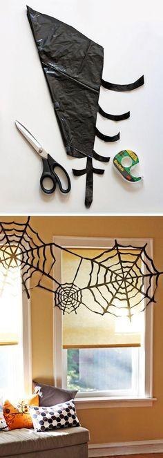 halloween deko idee müllsack spinnenwebe basteln