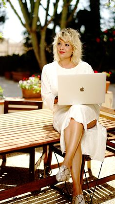 Szalai Nóri még home office-ban is irtó sikkes Home Office, Zara, Glamour, Fashion, Home Offices, Moda, La Mode, Fasion, Office Home