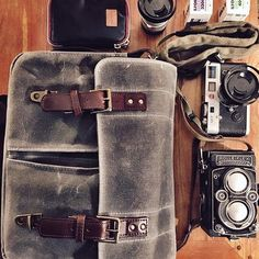 What is in my new ONA camera bag ? My faithful and now working again ROLLEIFLEX 3,5F, and my leica m7 with its two lenses from Zeiss. Of course, some films from @ilfordphoto, waiting for the arrival of the fantastic Pancro400 from @bergger_official. Last thing, but not the least, a very useful cleaning kit, made by Cura for BERGGER.