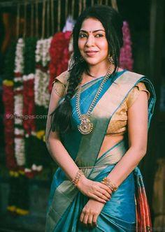 ramya vj in blue silk saree golden blouse and gold jewellery traditional look Blue Silk Saree, Green Saree, Silk Sarees, Indian Tv Actress, Indian Actresses, Indian Heroine, Heroine Photos, Bollywood Actress Hot, South Actress