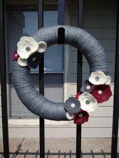 Items similar to Gray Yarn Wrapped Wreath, Felt Flowers With Vintage Buttons on Etsy Fabric Wreath, Diy Wreath, Burlap Wreath, Wreath Ideas, Deco Mesh Wreaths, Holiday Wreaths, Winter Wreaths, Felt Roses, Felt Flowers