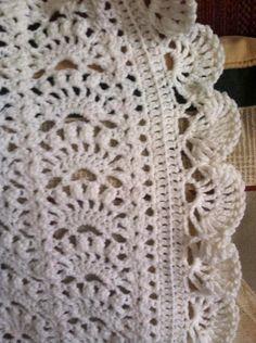 Lacy Crochet: Border for Fancy Shells Baby Afghan Baby Afghan Crochet, Baby Afghans, Baby Blankets, Knit Crochet, Afghan Crochet Patterns, Knitting Patterns, Crochet Stitches For Beginners, Crochet Borders, February 2015