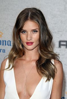 Rosie Huntington-Whiteley à la soirée Guys Choice Awards en Californie en juillet 2011