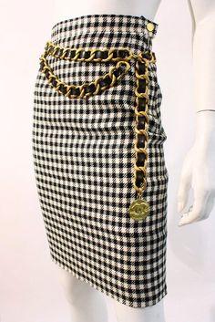Vintage Chanel Medallion Belt at Rice and Beans Vintage Chanel Outfit, Chanel Jacket, Chanel Fashion, Vintage Couture, Vintage Chanel, Chanel Clothing, Couture Sewing Techniques, Vintage Outfits, Vintage Fashion