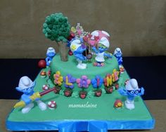 Smurfs cake - with flowers