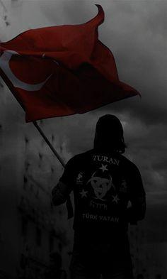 Bayrak anlam taşımaz Uğrunda ölmeyince koçum