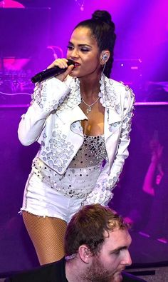 Dominican singer-songwriter Natti Natasha performs at LIGHT Nightclub Daddy Yankee, Song Of The Year, Becky G, Night Club, Style Icons, Las Vegas, Singer, Celebrities, Farmer