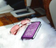 Новый чехол Флиппер для iPhone. Кейсы для «iPhone 5/6/6plus» из новой коллекции «Flowers» выполнен из натуральной кожи, полностью расписан растительным орнаментом и инкрустирован кристаллами Swarovski, которые установлены по фирменной технологии, которая исключает их потерю. Чехол покрыт тройным слоем фирменного глянцевого лака, также можно с вашей персонализацией. ...... #ФилиппКиркоров #PurpleFlower #ИванЛашманов #LashmanoV #IvanLashmanov #Antiques #Handmade #LeatherCraft #luxury #Чехол…