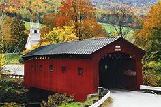 West Arlington Covered Bridge, spans the batten kill river, Arlington Vermont usa