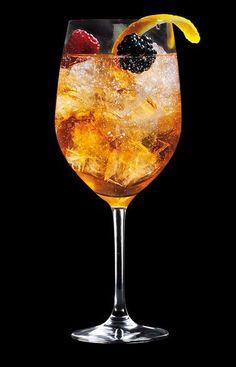 Entdecken Sie die riesige Vielfalt unserer Rezepte für leckere Longdrinks und C. Cocktail Quotes, Cocktail Drinks, Fun Drinks, Cocktail Recipes, Alcoholic Drinks, Summer Drink Recipes, Easy Drink Recipes, Coffee Recipes, Long Drink