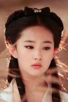 Beautiful Chinese Girl, Beautiful Asian Women, Cute Beauty, Beauty Make Up, Film Inspiration, Character Inspiration, The Journey Of Flower, Comic Tutorial, Chinese Culture