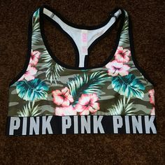 VICTORIA'S SECRET PINK CROPPED TOP CROPPED XSMALL TROPICAL NWOT Victoria's Secret Tops Crop Tops