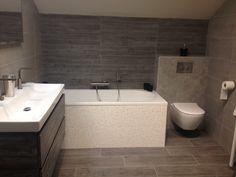 Nieuw in onze showroom. #tuijp #badkamers #volendam #tegelsMeer inspiratie opdoen: http://tuijpkeukenenbad.nl/badkamers/badkamer-projecten