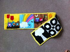 Baby roll up quiet book. Black and white, high visability for 0-3 months on one side, flip it over for colour interaction for 3-12 months. Diy Quiet Books, Baby Quiet Book, Felt Books, Sensory Book, Baby Sensory, Baby Crafts, Cute Crafts, Quiet Book Templates, I Spy Quilt