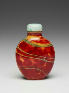 Chinese Snuff bottle (Glass)