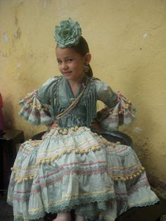 Diseñadora_RaquelTer Flamenco Costume, Dance Costumes, People Poses, Bohemian Style, Hipster, Children, Outfits, Clothes, Beautiful