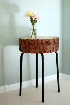 Прикроватная тумба из натурального дерева. Журнальный столик. Оригинальный дизайн. Предметы интерьера из дерева