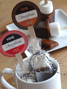 DIY Hot Chocolate Sticks - (Sucettes chocolat chaud) - http://www.myliciousecrets.fr/2015/01/sucettes-chocolat-chaud_31.html