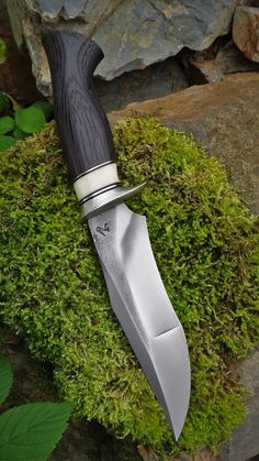 A Rechargeable Electric Knife Makes Carving Easy – Metal Welding Swords And Daggers, Knives And Swords, Collector Knives, Beil, Cool Knives, Pretty Knives, Unique Knives, Knife Handles, Handmade Knives