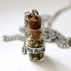 Felicis Necklace necklace.