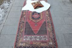 *** WELCOME TO OUR STORE ***  PRODUCT INFORMATION:   This Turkish rug which is approximately 40 years old had woven by skilfull Anatolian women in the middle of Anatolia.Size of this handmade area rug is 200 x 196 cm (80 x 38) and weight of this Turkish rug is about 5 kg. Woof of this wool area rug is genuine Anatolia cotton and weave of this vintage handmade rug is 100 % pure sheep wool. While this handmade rug was being woven, handspun yarn dyed by naturel and vegetal colours had been…