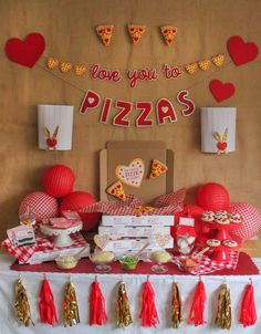 33 Popular Valentine Theme Party Decoration Ideas - Valentine's Day is here. In that day, many people in all around the world celebrate the love. Some people even hold a party during Valentine's Day. Valentines Day Pizza, Valentine Theme, Valentine Decorations, Valentines Sweets, Kids Valentines, Pizza Party Birthday, First Birthday Parties, Birthday Party Themes, Kids Pizza Party
