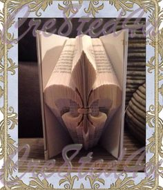 Fleur di Lis  combi pattern with free pdf tutorial by Cre8ted4utd on Etsy