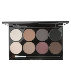 Makeup Diva gift idea: This high pigment eye shadow palette created by the Instagram Motives® Mavens Element is the best makeup value we have! Motives by Loren Ridinger Cosmetics