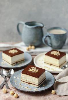 Kinder bueno kolač (bez pečenja) - Mystic Cakes Brze Torte, Kolaci I Torte, Baking Recipes, Cookie Recipes, Snack Recipes, Dessert Recipes, Chocolate Salami Recipe, Chocolate Desserts, Sweet Desserts