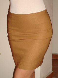 High waist skirt from a single piece of stretch fabric - made with just 6 darts and a zipper.