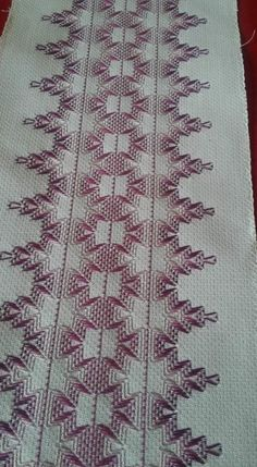 Mari Carmen Gomez Cortes's media statistics and analytics Swedish Embroidery, Towel Embroidery, Hardanger Embroidery, Embroidery Stitches, Ribbon Embroidery, Cat Cross Stitches, Cross Stitch Bookmarks, Swedish Weaving Patterns, Monks Cloth