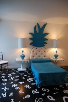 Can this be my room lol the pineapple headboard is so cool