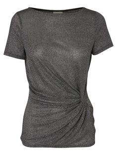 It's glitter time. Style this VERO MODA top with a skirt and high heels for a cool party look.