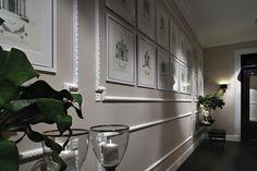 Per valorizzare i soffitti e le pareti di una stanza, le cornici effetto stucco sono facili da applicare da soli e di sicuro effetto.