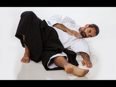 How to take smooth falls in Aikido (Ukemi) - YouTube