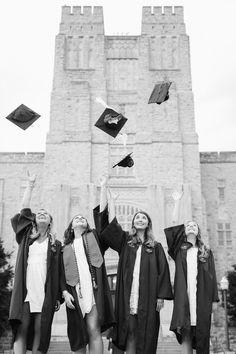 College Graduation Pictures, Graduation Picture Poses, Graduation Portraits, Graduation Photoshoot, Grad Pics, Group Senior Pictures, Grad Pictures, Senior Photos, Cap And Gown Pictures