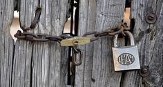 Como abrir un candado sin llave #ComoTeLoCuento http://comotelocuento.com/como-abrir-un-candado-sin-llave/