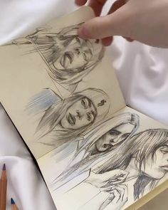 Ksu в Instagram: «I'll finish this sketchbook soon! Скоро уже закончу его!» Artist Aesthetic, Aesthetic Painting, Aesthetic Drawing, Pencil Art Drawings, Art Sketches, Drawing Face Shapes, Cartoon Painting, Art Prompts, Eyebrow Shapes