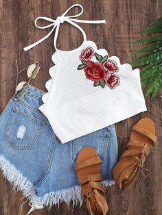 Embroidered Flower Applique Scallop Edge Ribbed Halter Top - Romwe Embroidered Flower Applique Scallop Edge Ribbed Halter TopL Source by - Teen Fashion Outfits, Kids Outfits Girls, Teenager Outfits, Mode Outfits, Fashion Clothes, Girl Fashion, Girl Outfits, Crop Top Outfits, Cute Casual Outfits