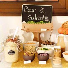 Mon petit bar à salade de samedi soir pour les 30 ans de mon chéri ou comment préparer un buffet #vegan sans que personne ne s'en rende compte !  #healthy #glutenfree #veganfoodshare #barasalade #saladbar #birthday #instadaily #picoftheday Buffet Vegan, Coachella Birthday, Deco Buffet, Salty Foods, Happy Party, Gold Party, Salad Bar, Sweet 16, Brunch