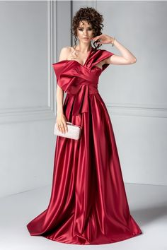 rochie de seara lunga bordo din tafta Formal Wear, Formal Dresses, Bridesmaid Dresses, Wedding Dresses, Nasa, One Shoulder, Clothes, Fashion, Dresses For Formal