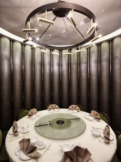 Image 12 of 16 from gallery of Pak Loh Times Square Restaurant / NC Design & Architecture. Photograph by Nathaniel McMahon