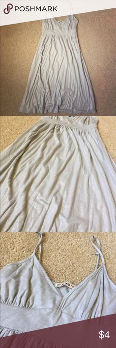 Sparkly silver gray forever 21 dress My sister has joined me in the world of poshing. Which means I intend to get rid of her stuff as fast as possible. This is a very pretty sparkly dress in perfect condition. No size on tag but it should be a small. Get it out of my apartment! Forever 21 Dresses