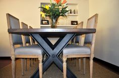 Ideas de #Decoracion de #Comedor, estilo #Moderno diseñado por Fet a mida Decorador con #Mesas de comedor  #CajonDeIdeas